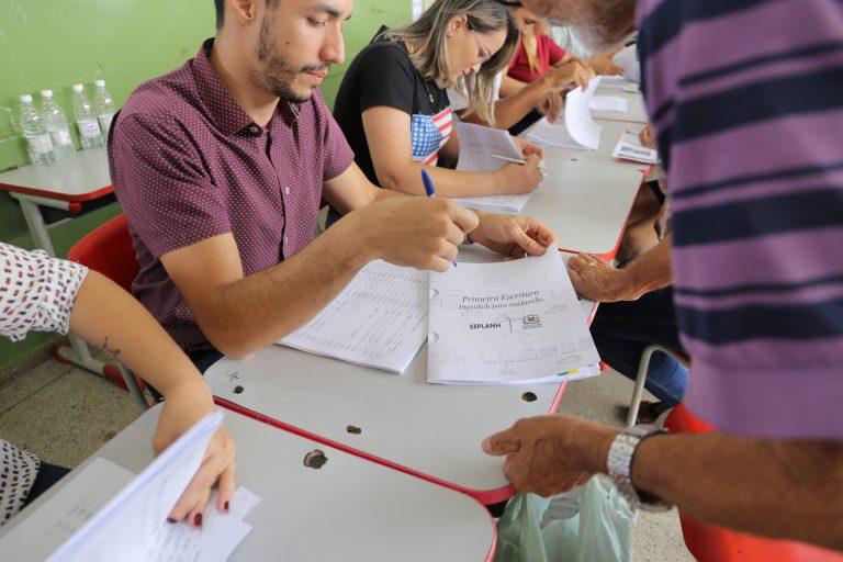 Prefeitura de Goiânia entrega escrituras do Jardim Nova Esperança