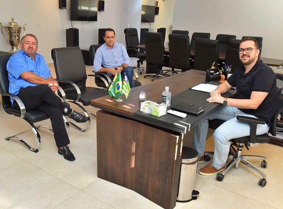 De volta ao trabalho, Gustavo Mendanha mant�m agenda intensa na Prefeitura de Aparecida