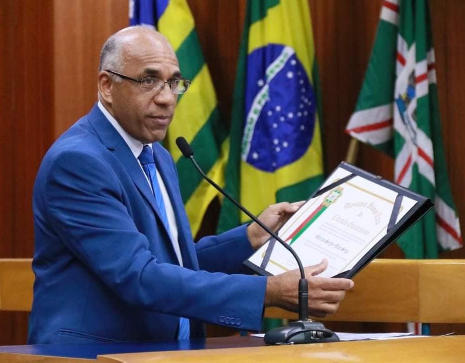 Rog�rio Cruz assume, de forma permanente, o cargo de prefeito