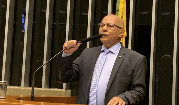 Professor Alcides destina mais de R$ 100 milh�es para Goi�s