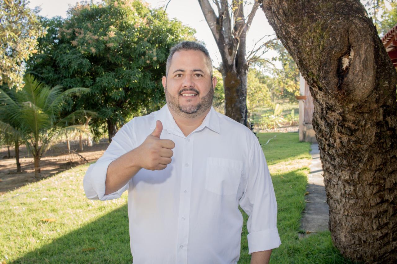 Em Mara Rosa, Flávio Moura lidera as pesquisas com 10 pontos de vantagem