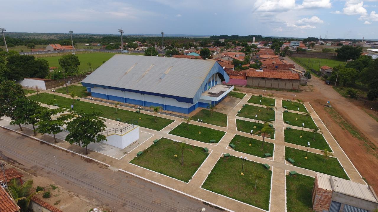 Governo de Goi�s entrega complexo esportivo em Aragoi�nia no anivers�rio da cidade