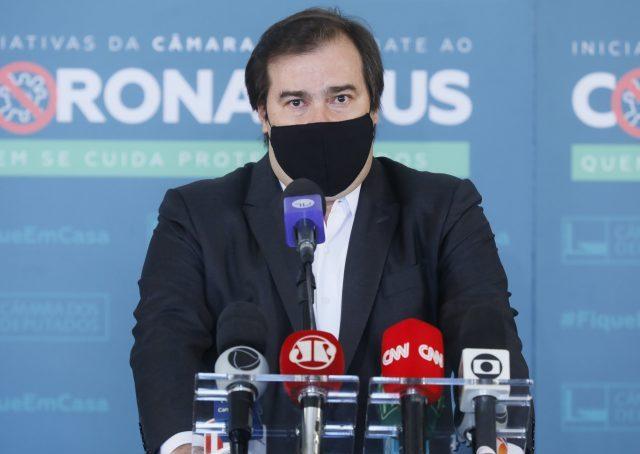 Rodrigo Maia tenta destravar importa��o de insumos para pa�s fabricar Coronavac