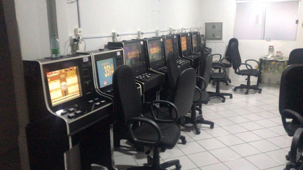 Em Goiás, polícia prende 11 suspeitos por lavagem de dinheiro e jogos de azar