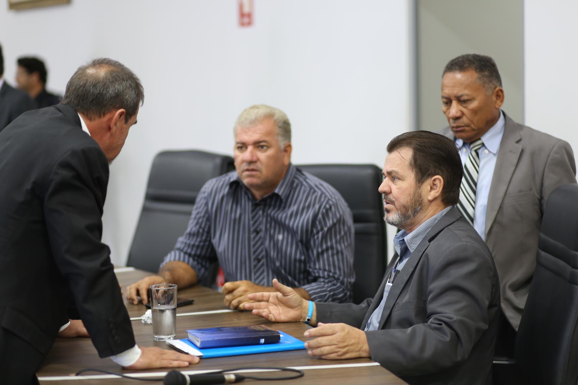 Câmara mantém veto à lei que instituía ponto eletrônico para médicos em Aparecida