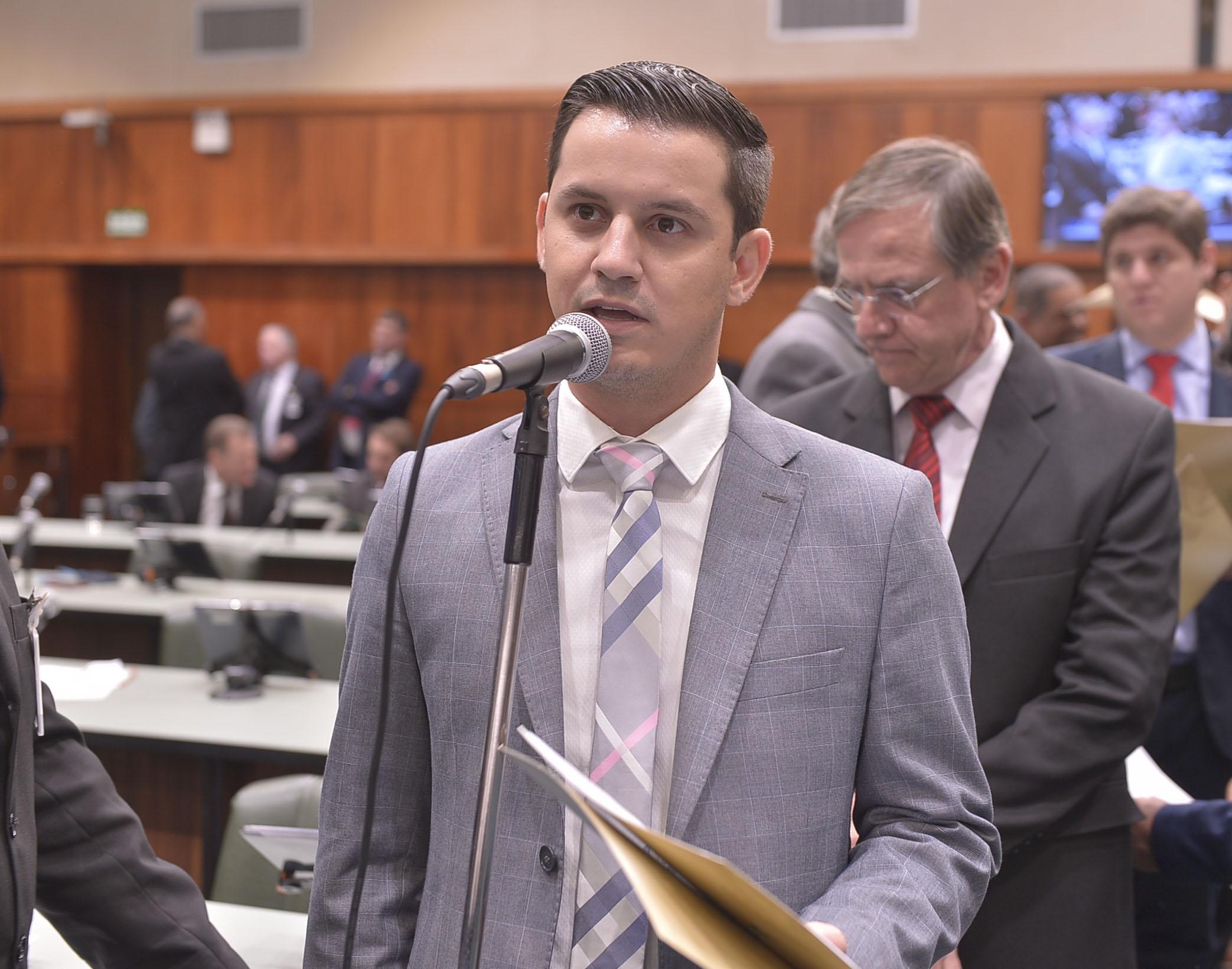 Rafael Gouveia solicita cronograma de  convoca��o dos classificados no concurso de 2016 da PM