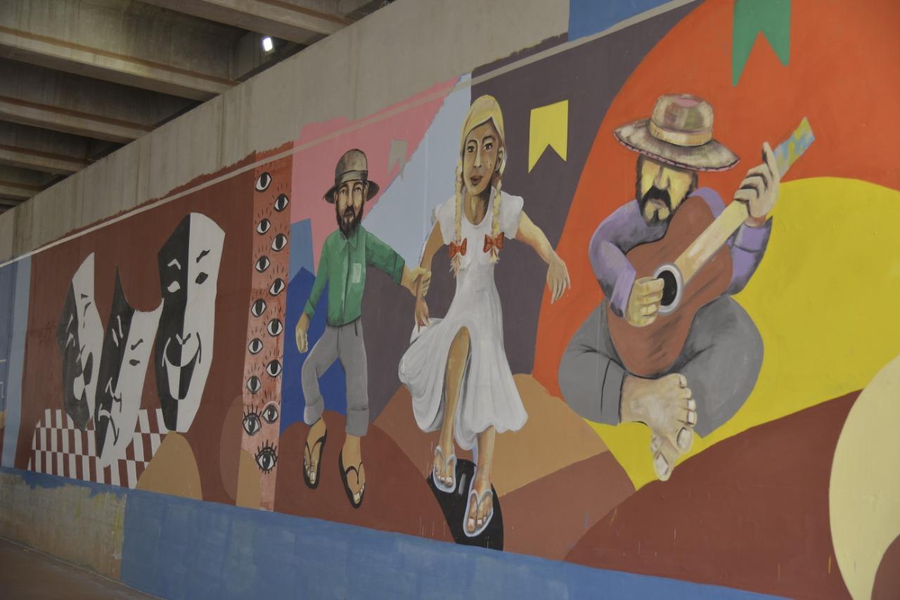 Viaduto da Avenida São Paulo em Aparecida ganha galeria de arte urbana
