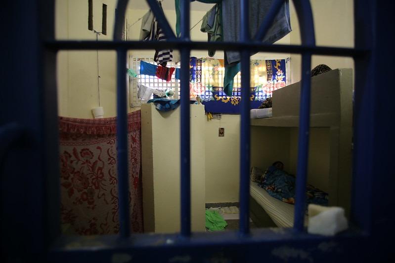 Efeito coronav�rus: cerca de 25 mil presos s�o libertados em todo o pa�s