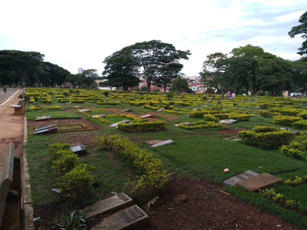 Goi�nia e Aparecida regulamentam visitas aos cemit�rios no feriado do Dia de Finados