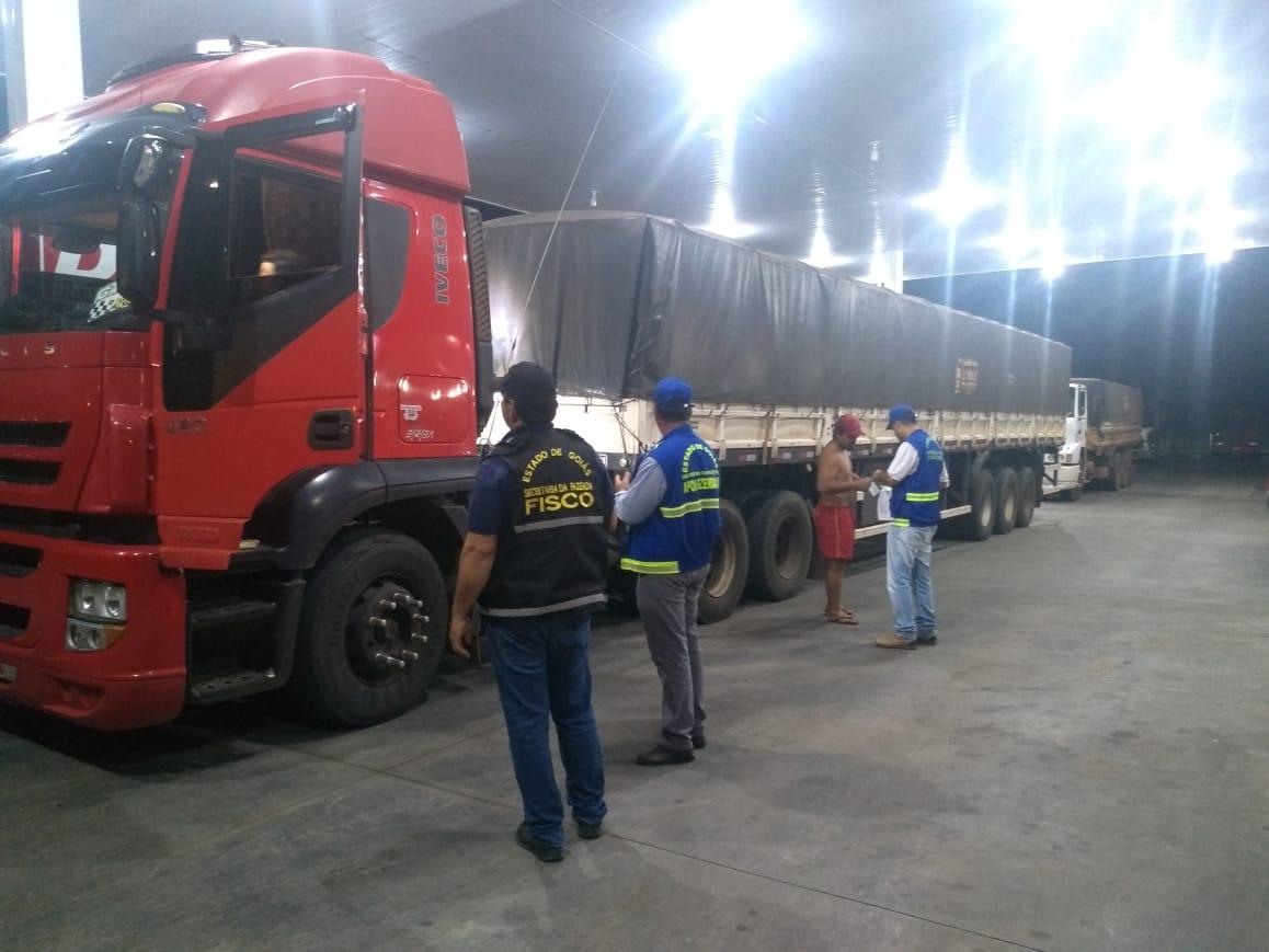 Fisco apreende mais de 261 toneladas de milho sem nota fiscal em Itabera�
