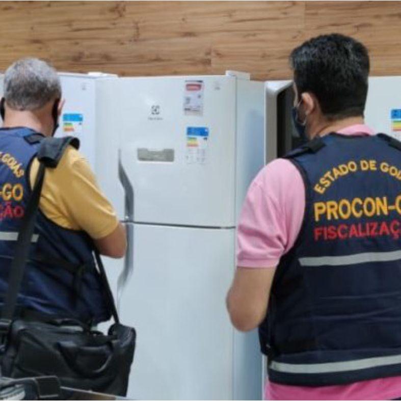 Fiscais do Procon Goi�s far�o plant�o em tr�s shoppings para atender den�ncias de consumidores