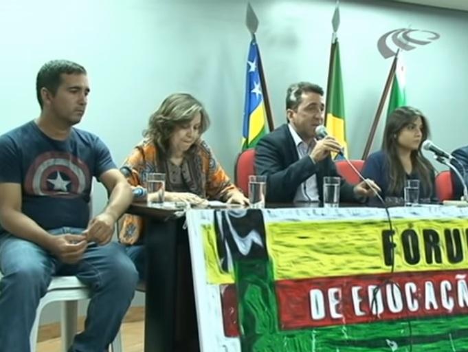 Mobilização para reverter fechamento de turmas do EAJA em Goiânia