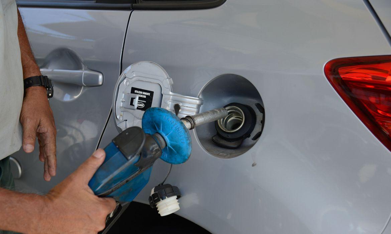 Petrobras espera que queda de preço da gasolina chegue aos postos