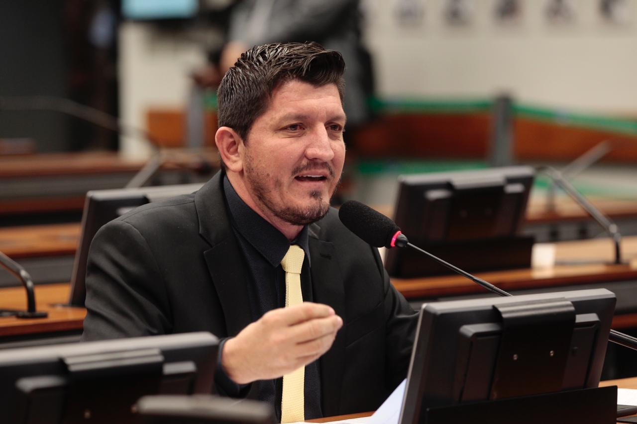 Congresso precisa mostrar � sociedade que o crime n�o compensa, diz Glaustin