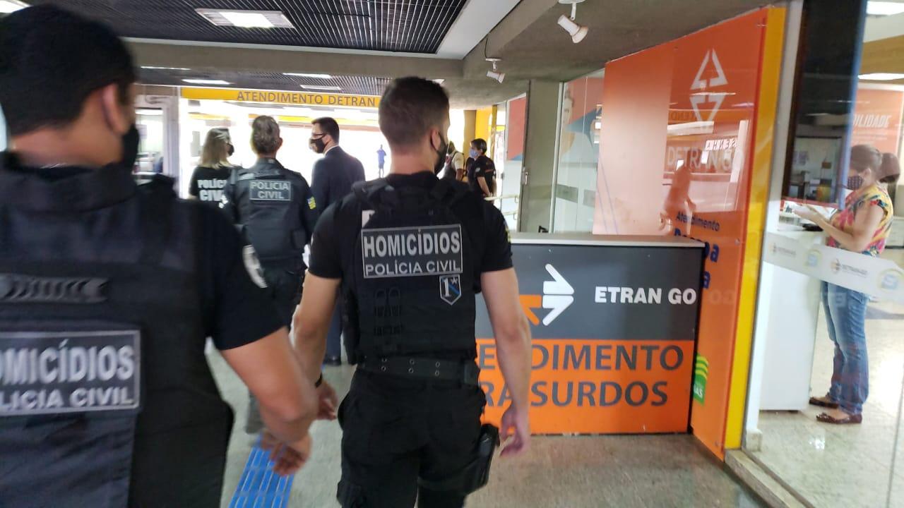 Pol�cia investiga cartel formado por 24 empresas do ramo de placas de ve�culos