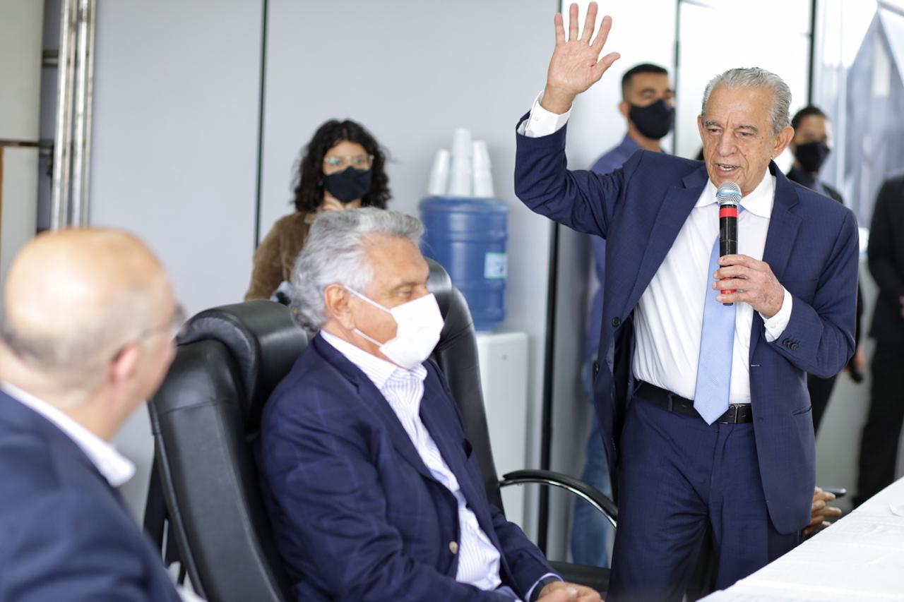 Iris apresenta avan�os na Educa��o para o ministro Milton Ribeiro