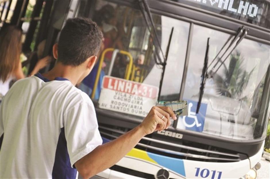 Governo de Goi�s promove cadastramento e recadastramento do Passe Livre Estudantil