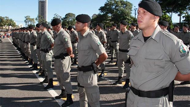 Governo de Goi�s anuncia pagamento de promo��es a militares