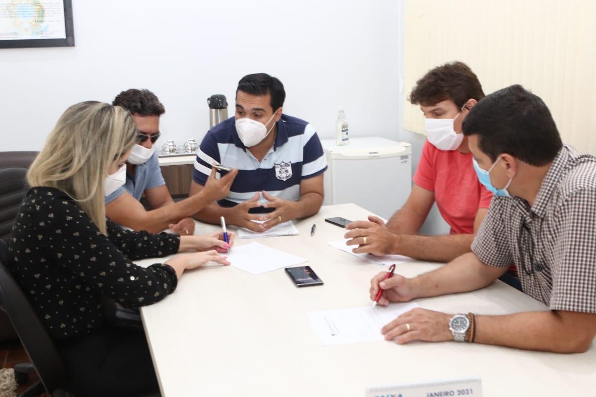 Hidrol�ndia est� preparada para a campanha de vacina��o contra a Covid-19, afirma Jos� D�lio