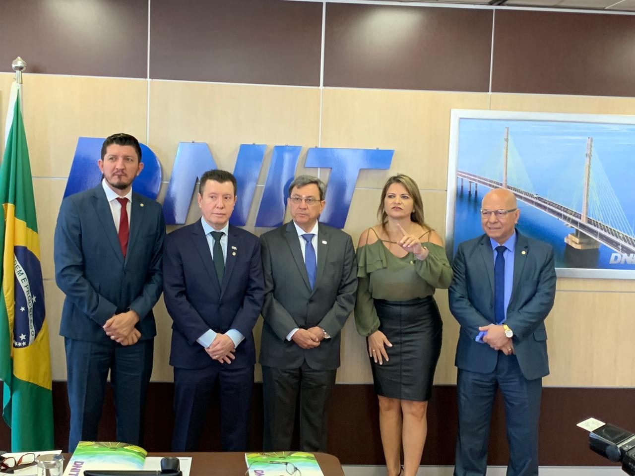 Bancada de Goiás trabalha unida por mais recursos para infraestrutura, diz Professor Alcides