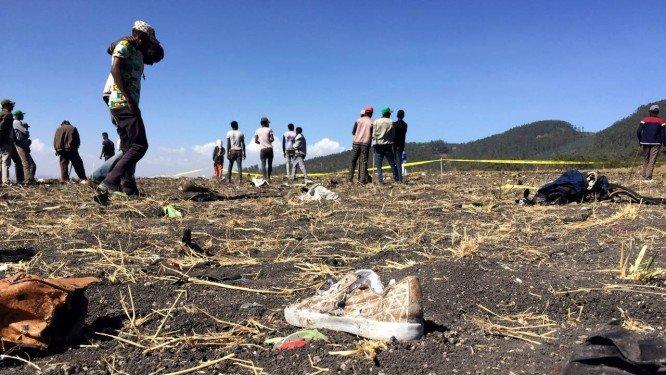 Avi�o cai na Eti�pia e deixa 157 pessoas mortas