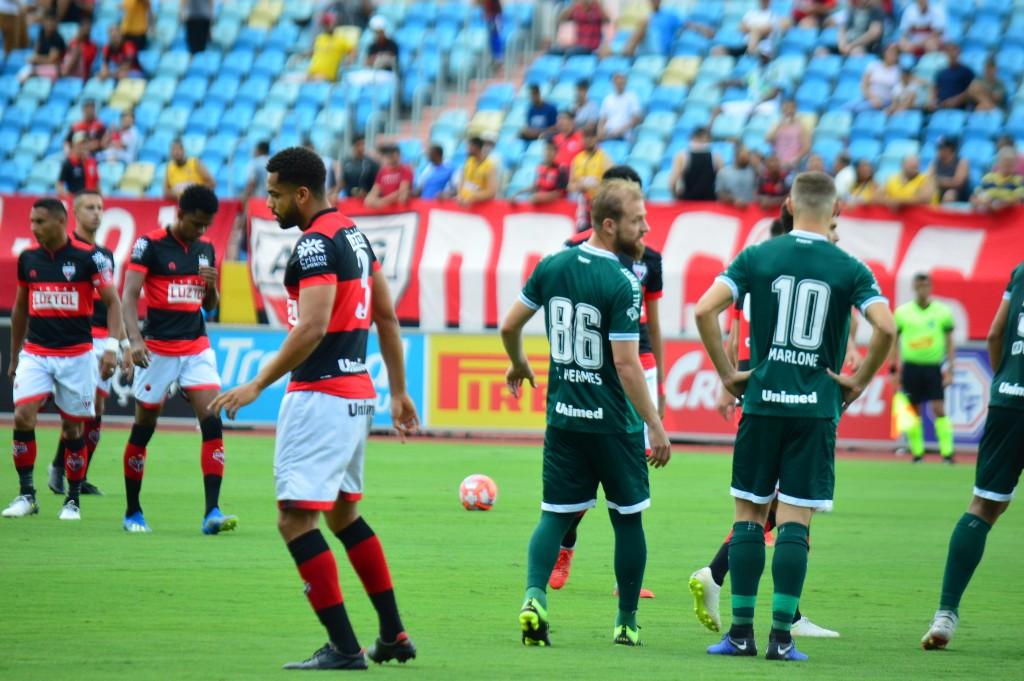 Goi�s perde para Atl�tico Goianiense e torcedores pedem a sa�da do t�cnico Ney Franco