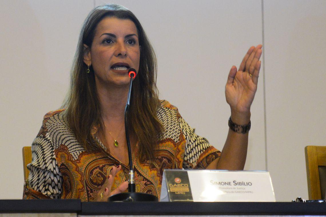 Porteiro mentiu sobre liga��o para casa de Bolsonaro, diz promotora