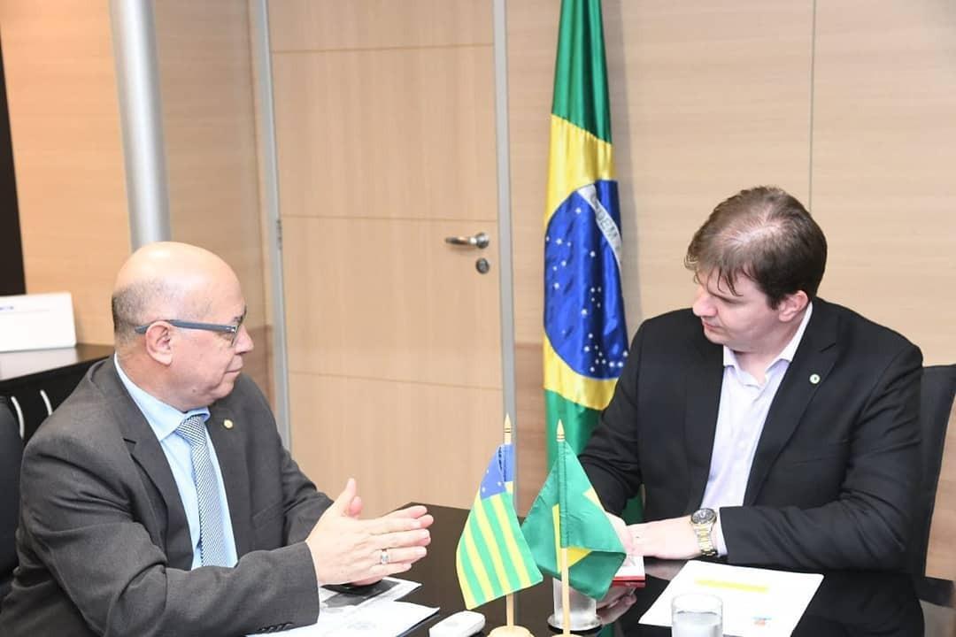 Professor Alcides busca liberação de R$ 15 milhões para apartamentos na Chácara São Pedro