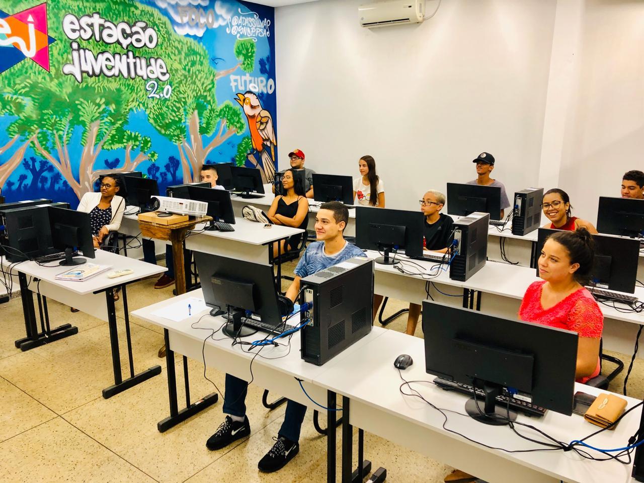 Prefeitura de Aparecida oferece cursos de qualifica��o profissional para jovens