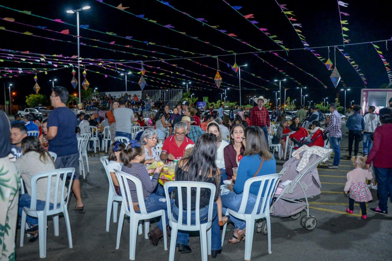 1� Arrai� de Aparecida recebe mais de 200 pessoas no primeiro dia de festa