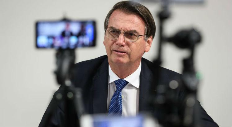 Bolsonaro anuncia 13� do Bolsa Fam�lia na semana que vem