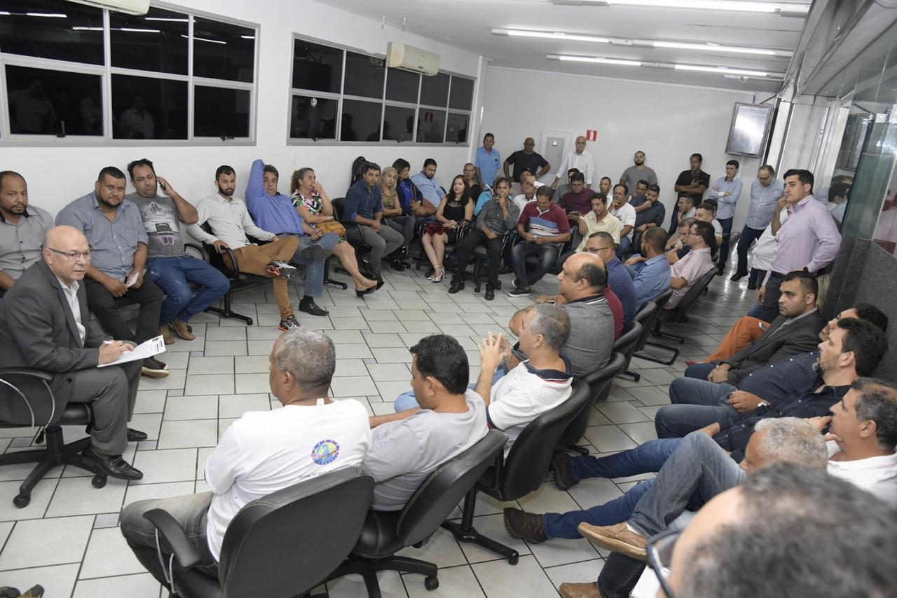 De olho na C�mara e na cadeira de vice-prefeito, Professor Alcides muda comando do PP de Aparecida