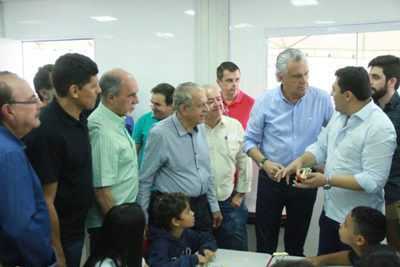 Prefeito de Goi�nia e Governador de Goi�s abrem 22� Mutir�o da Prefeitura