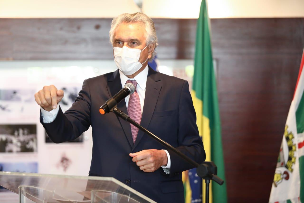 Ronaldo Caiado p�e fim � ind�stria da multa e goianos economizam quase R$ 35 milh�es em 2019