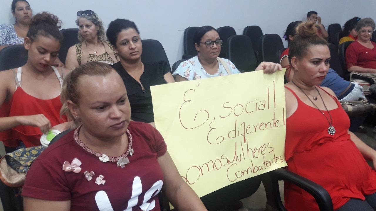 Tramita na C�mara de Aparecida de Goi�nia Projeto de Lei que prev� prioridade � vagas de empregos para mulheres v�timas de viol�ncia dom�stica