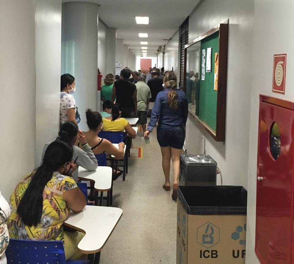 Em Goi�s, 1,240 milh�o de eleitores voltam �s urnas neste domingo